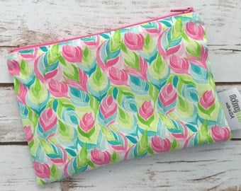 Reusable Snack Bag ~ Zippered Pouch ~ Favor Bag ~ Goody Bag ~ Eco Friendly Bag in Pastel Floral