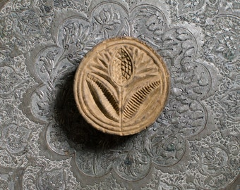 Antique Tulip Folk Art Wooden Primitive Circular Shaped Butter Mold Stamp - 1800's