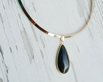 irulan - golden labradorite amulet collar necklace