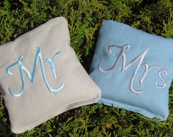Wedding Mr and Mrs Cornhole Game Bags - Mr & Mrs - Set of 8 Shown in Grey and Light Blue
