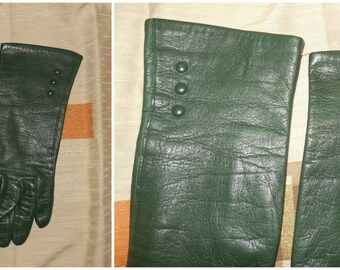 Vintage Green Leather Gloves 1950s 60s Longer Hunter Green Leather Gloves Small Button Details Mod sz 7 1/2