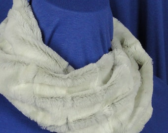 Faux Fur Scarf - White, Gray Textured Rabbit Minky Scarf - Faux Fur Cowl .