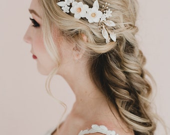 White Magnolia and White Leaves Branches Bridal Hair Comb. Magnolia Hair Comb. Amanda Hair Comb