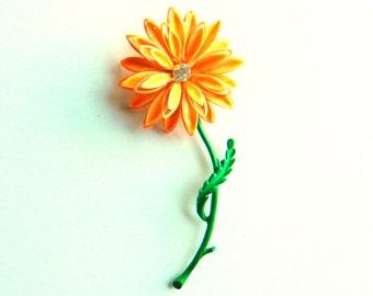 Vintage Floral Daisy Brooch / Large Flower Pin / Retro Mod 1960s Floral Brooch / Bright Retro Kitsch Flower