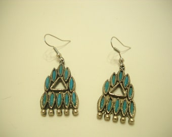 Vintage Faux Turquoise Dangles (7429) Pierced Earrings