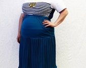 CLEARANCE - FINAL SALE - Plus Size - Vintage Turquoise Knit Yoke Crinkled Fabric Skirt (Size 20)