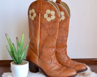 Size 9 Circle A Brown Leather Cowgirl Boots With Floral Decals