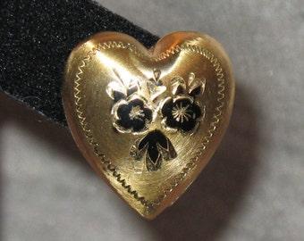 1940s Earrings, Heart, Heart Jewelry, 1940s Screw Back Heart Earrings, Vintage Heart Earrings, 1940s Jewelry, 40s Gold and Black Earrings