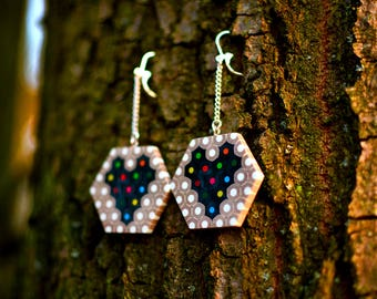Hexagonal heart earrings made of colored pencils