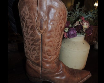 CORRAL Mens Tan Cowhide Cowboy Boots pointed toe stitched leather classic heel By #GodOddiesDecorOnEtsy MVS000016