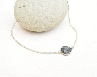 Labradorite necklace, Bezel necklace, Labradorite jewelry, Silver necklace, Layering necklace, Gift for her, Minimalist necklace