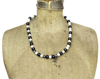 Vintage Black & White Bead Necklace, Black and White Necklace, Black and White Glass Bead Necklace, Long Black and White Necklace