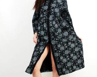 VintageCotton  Floral Maxi Dress / Flower Print Dress / Long Sleeved Dress / Autumn Dress / Button Down Dress / Size UK12 / US10 / L