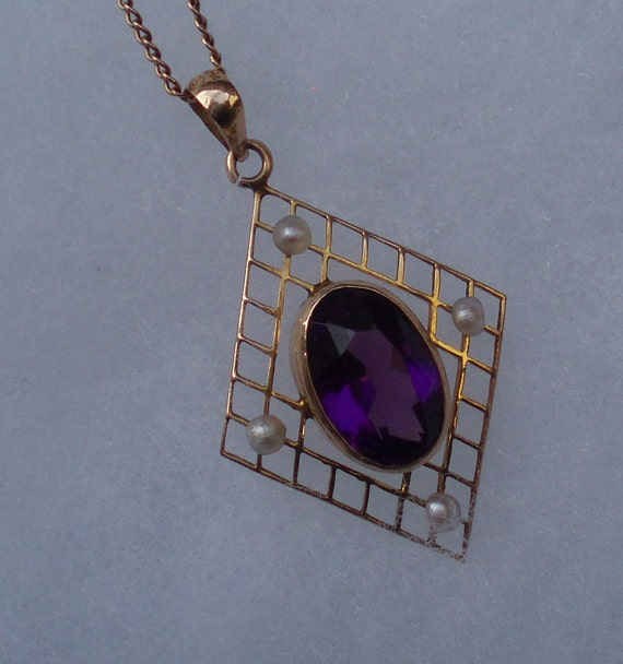 Vintage 10kt Solid Gold Pendant with Amethyst and Seed Pearls