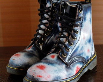 lava Dr Martens 90s vintage boots 8eylet Made In ENGLAND blue red white docs