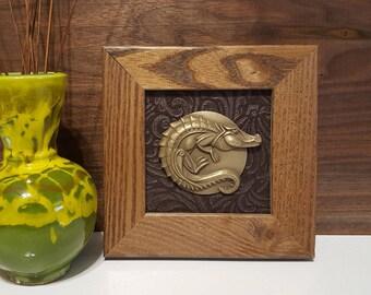 Unique Sculpted and Framed Animal Dials (Alligator)