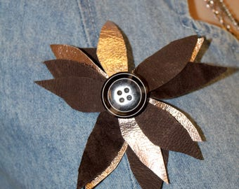 Pretty Disturbia Festival Grunge Leather Button Hand-Made Flower Brooch