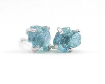Rough apatite stud earrings Sterling silver blue apatite earrings Raw stone earrings Boho chic jewelry