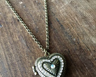 Heart Shaped Scent Locket Aromatherapy Essential Oil Diffuser Necklace