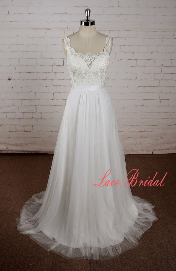 Simple Ivory Lace Bodice Wedding Dress With Tulle Skirt