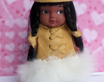 """Vintage Indian Squaw doll 4"""" ~ Collectors item"""