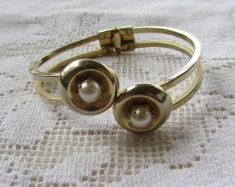 Vintage faux pearl clamper bracelet estate find bridal wedding prom