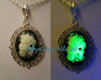 Glow in the Dark Small Green Mexican Day of the Dead Sugar Skull Cabochon Cameo Necklace on Silver Crossed Chain. Dia de Muertos