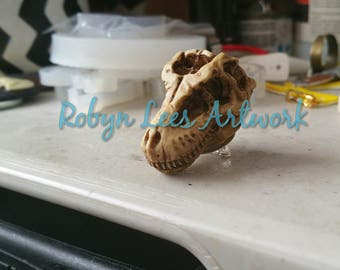 Large Antiqued Resin T-Rex Tyrannosaurus Rex Dinosaur Skull Brooch with Silver Pin Back. Gothic, Victorian, Costume, Paleontology, Anatomy