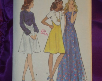 1970s 70s Vintage Fit n Flare Dress w High Shaped Waist Evening or Knee Length 3 Vws UNCUT Butterick Pattern 6636 Bust 34 Inches 87 Metric
