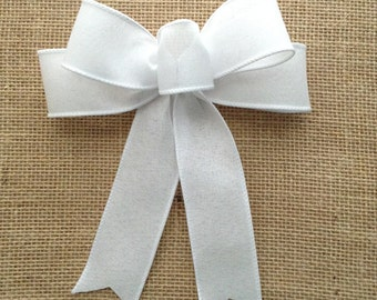 White Decorative Bows / Wedding White Bows / White Christmas Bows / Set of 8 Bows / Small White Bows / Handmade and Design in Wired Ribbon