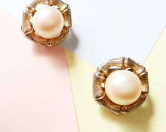 Vintage pearl and gold bamboo crown Earrings clip on retro
