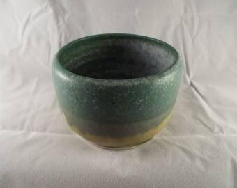 Small ceramic bowl (I)