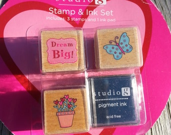 STAMP SET,Spring Stamp Set,Wood Block Stamps,Butterfly and Flowers Stamp set with Ink,Stocking Stuffer,Craft Card Scrapbook Supplies