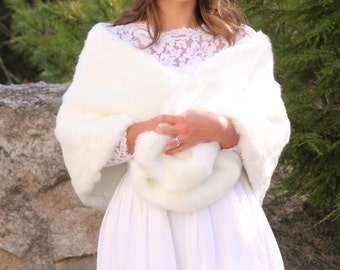 Faux Fur Stole, Bridesmaids White Fur Shawl, Bridal Shawl, Wedding Fur Shawl, Fur Wrap, Ivory Fur Bridal Wrap, Winter Wedding, Wedding Shawl