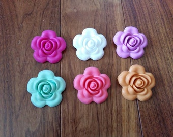 SALE!Lot of 25 or 50-Silicone Flower Beads
