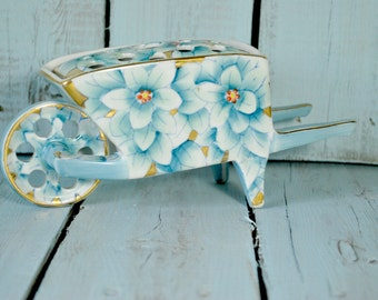 Porcelain  Frog Vase , Wheelbarrow , Pique Fleurs , Shabby Chic Decor