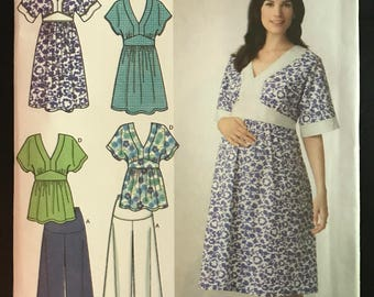 Simplicity 3888 - Maternity Dress or Top with Empire Waist and Pants - Size 6 8 10 12 14