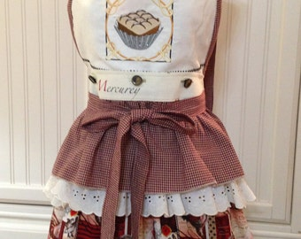 Vintage style full apron country roosters ruffled holiday toile and  tiramisu embroidered reversible button on bodice