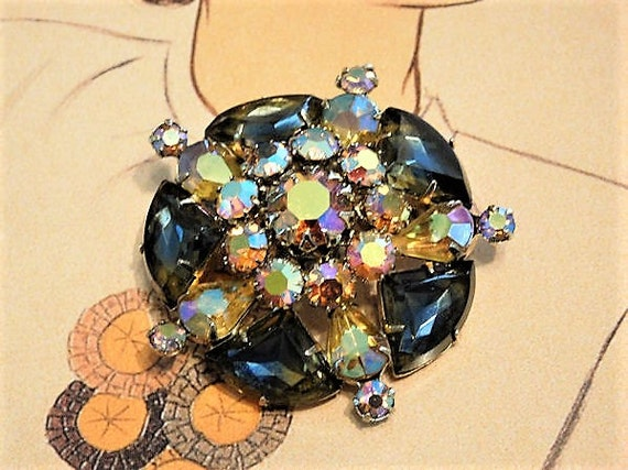Rhinestone Brooch / Mid Century Brooch / Autumn Fall Fashion Jewelry