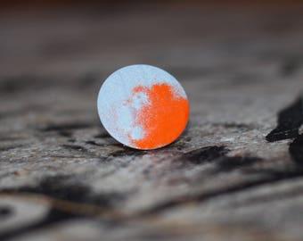 Colorful brooch circle metallic matte grey & shiny orange