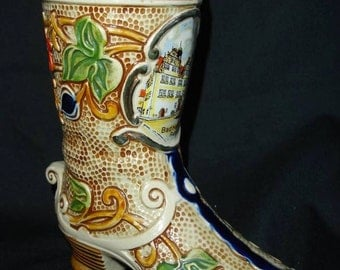 "Trinket souvenir form of boot multicolored glossy porcelain. ""Bad Hersfeld, Rathaus"". ""Germany Handarbeit"". c.1960."