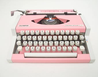 Pink Typewriter - Olympia Traveller de Luxe - Working Perfectly - Fully Serviced - Custom Painted - Vintage Typewriter