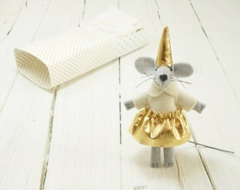 Stocking stuffer Stuffed felt mouse felt animals gold kids gift  mouse in a matchbox hand made doll mantle birthday gift grand daughter gift