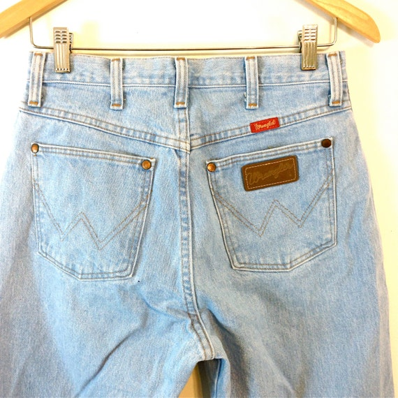 Vintage 70s Wrangler Jeans Faded Blue Jeans Straight Leg Mom Jeans High Rise Distressed 1970s Stone Wash Women's Pants Made in USA 28 x 34