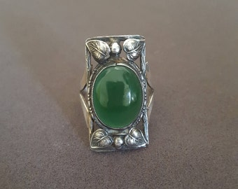 Antique Arts & Crafts Sterling Silver and Green Jade or Onyx or Chrysoprase Ring