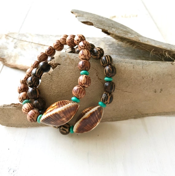 Kaccoi Shell Bracelet, Wood Bead Beach Jewelry, Casual Shell Bracelet, Bohemian Style Bracelet, Palmwood Stretch Bracelet