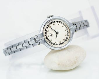 "Ladies' bracelet watch ""Luch"" – vintage watch woman – woman's classic wrist watch – soviet watch 70s"