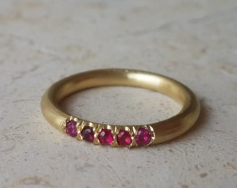 Stack Ring in 18k Solid Gold with Rubies . Arrossì Stacking Ring . Ruby Stack Ring . Ruby Eternity Band . Gold Eternity Ring . Fine jewelry