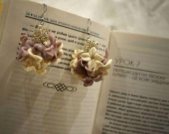 Handmade Polymer Clay Flower Earrings, White&Purple earrings, White flowers, Gift for her