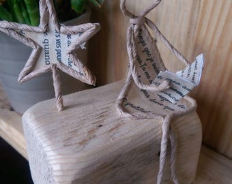 Reclaimed Wood French Style Art Wire and Paper Sculpture Girl Reading Star gift for teacher school gift